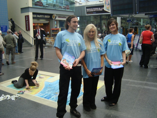 Leafleting promo Staff